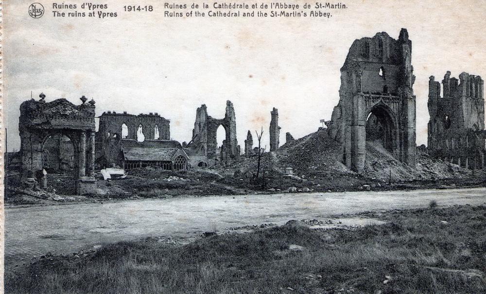 Ruines d ypres 1914 18 ruines de la cath drale et de l for Piscine ypres photo